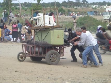 37 Bob & Rob help Haitians